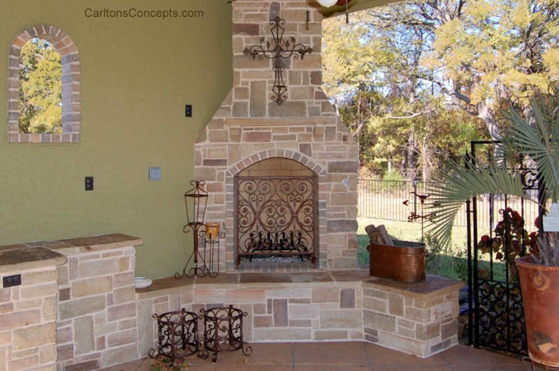 Outdoor_Fireplace_Construction_004.jpg