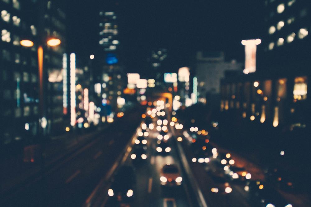 YA-night-traffic