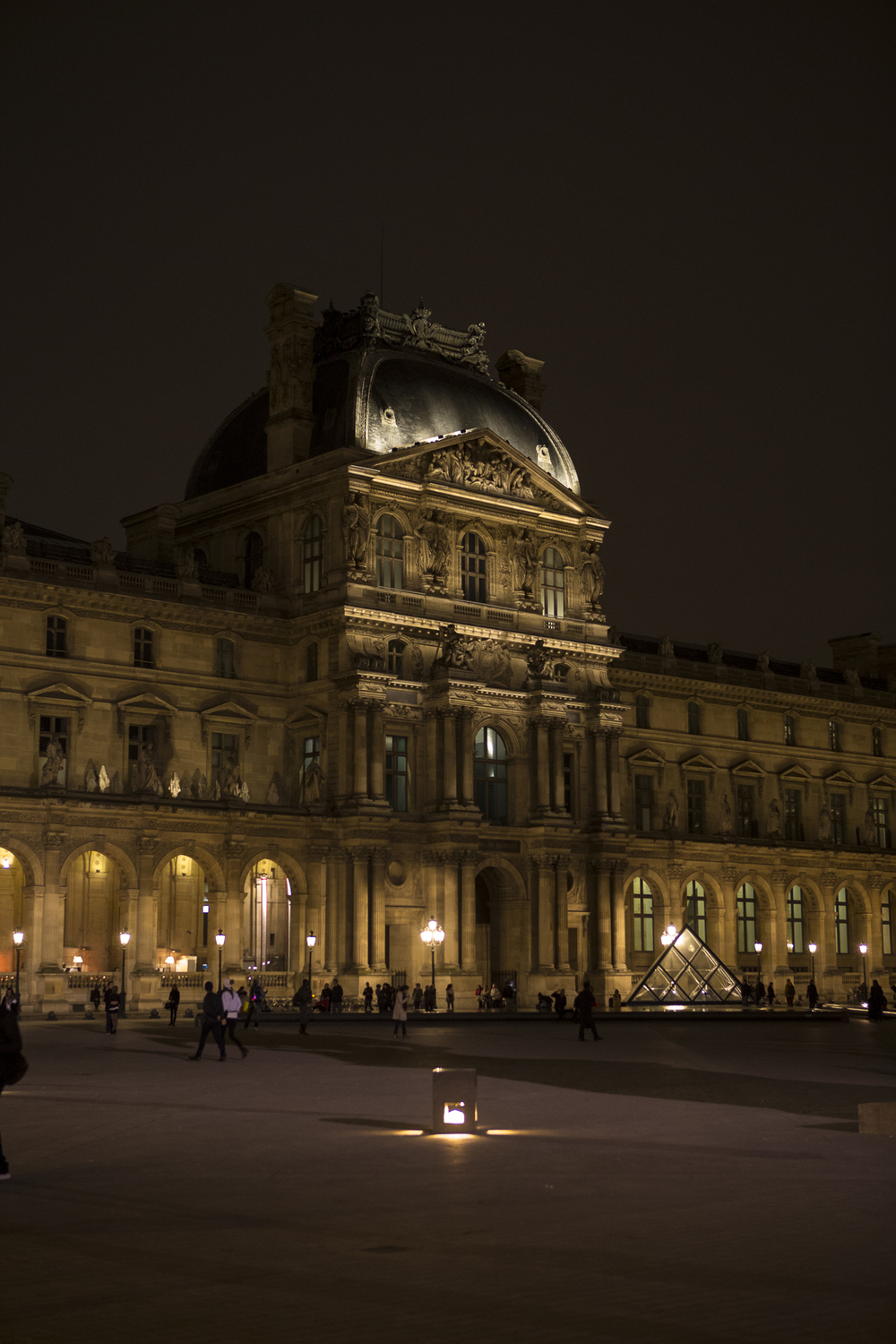 Louvre at night-1.jpg