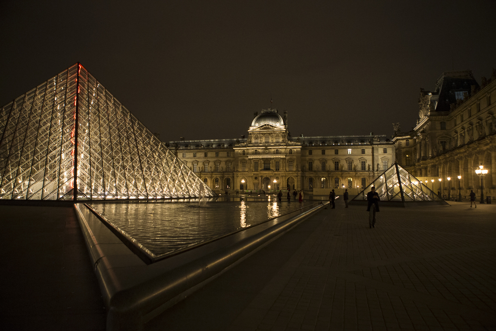 Louvre at night-5.jpg