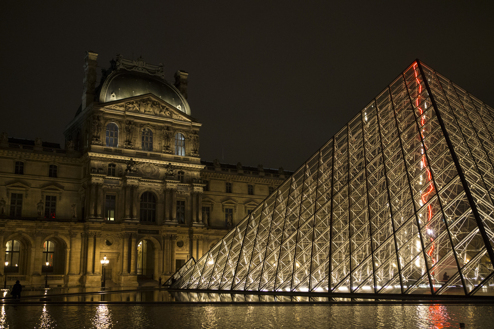 Louvre at night-9.jpg