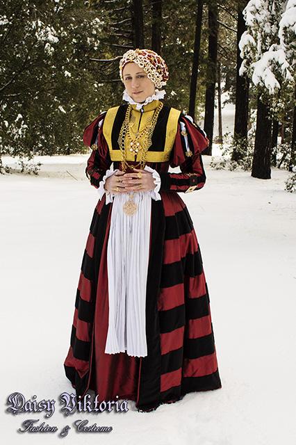 16th_century_german_rhineland_gown_by_daisyviktoria-dc7080r.jpg