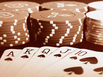 Buying at auction can be similar to a good poker game. Have a great strategy-play your hand just right-and you'll walk away winning big!