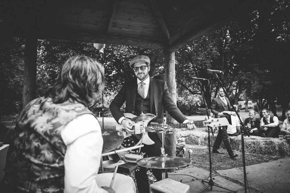 sam-beth-relaxed-natural-alternative-fun-festival-boho-wedding-photography-nottingham-vicarge-elkesley_0053.jpg