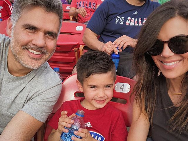 Such a great game with my boys!!! Go @fcdallas 🎉🎉🎉 3-0 in the 69th minute!! . . . #fcdvsea #fcdvssea #fcdallas #soccer #thefamilyof3 #family #soccerfamily #goal #sundayfunday #soccersunday #toyotastadium #friscotx #dallasmom #soccerfans #futbol