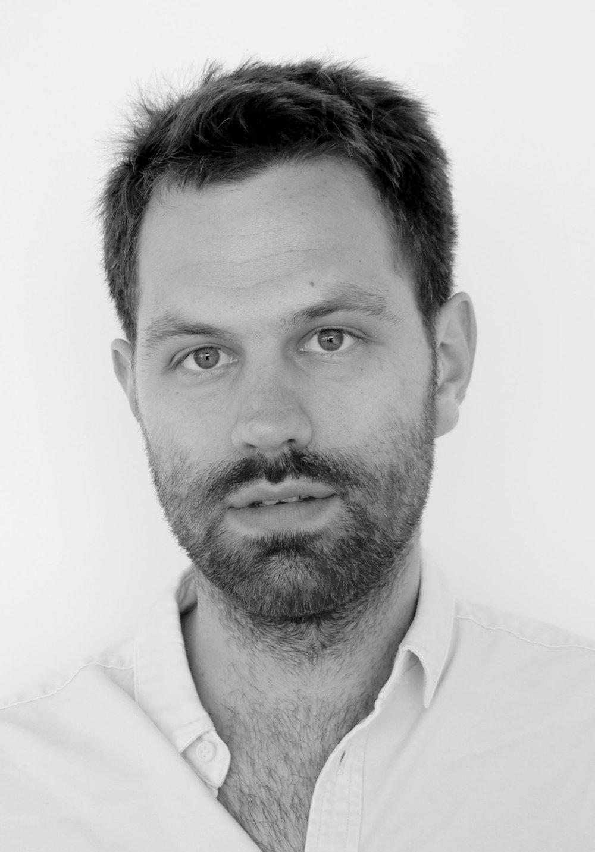 Ferdinand Albrecht Dipl.-Ing. (Univ.)   Projektarchitekt   f.albrecht*ropee.  de