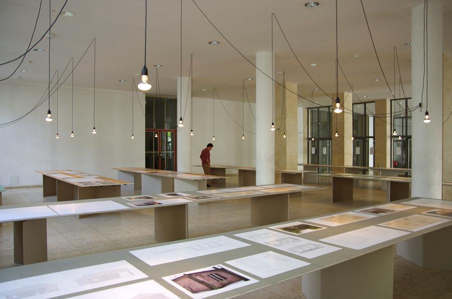 Der Lehrstuhl für Entwerfen und Denkmalpflege der TU München zeigte vom 18.04-18.05.12 in einer Ausstellung die Ergebnisse einer Forschungsarbeit zu konstruktiven und gestalterischen Details des Münchner Architekten Hans Döllgast (1891-1974).  >>>>