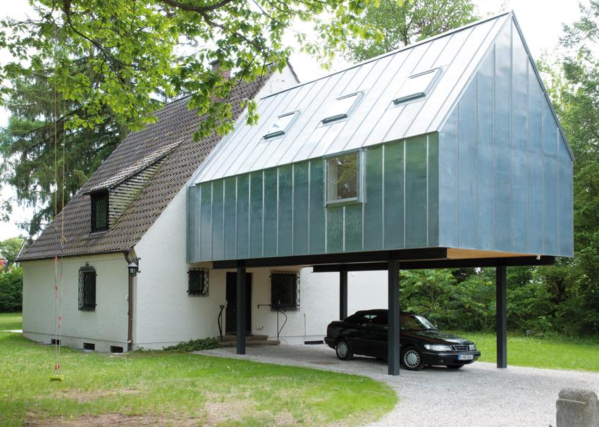 Fertigstellung Zinktank in Ottobrunn: Anbau eines Seminarraums an ein bestehendes Einfamilienhaus aus den 1930er Jahren