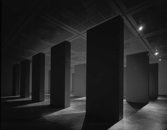 dromik: Hiroshi Sugimoto Architecture, 2003. Installation at the Museum of Contemporary Art, Chicago Photo by Hiroshi Sugimoto