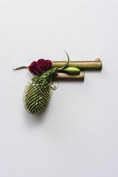 GUNS & ROSES: Sonia http://ift.tt/1EXfqsC