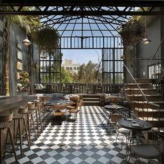 Rooftop dining? Yes http://ift.tt/1KH3UXM