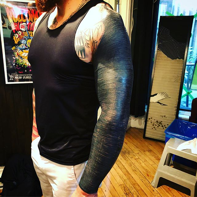 More beast than man! Thanks guy! 6.5hrs total. #blvckwork #blvckfashion #blxckink #blackwork #balckworkerssubmission #blackworkerssubmission #blackworkers #blackouttattoo #brutalblack#montreal #montrealtattoo #mtl#eikondevice #tatsoul #rghtstuff