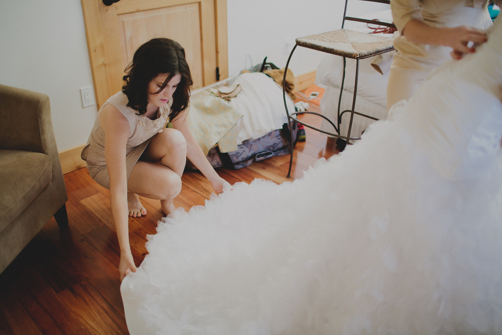 Gretchen_Gause_Healdsburg_Soda_Rock_wedding_photo