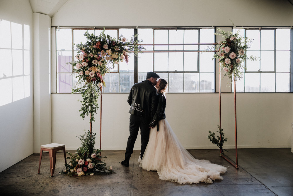 Gretchen Gause Photography | Los Angeles Hudson Loft Wedding #hudsonloft #laweddingphotographer #DTLA #weddingplanning #romanticwedding #rooftopwedding #weddingphotography #weddingdress #leather