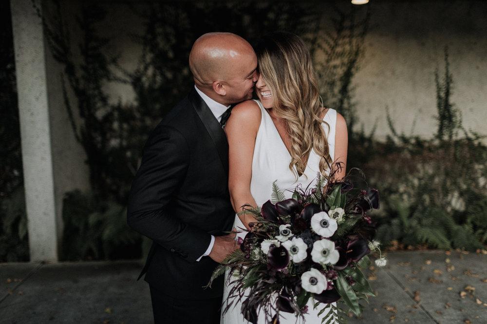 Oakland Museum of California Wedding #fallwedding #modernwedding #minimalswedding #BayAreaWeddingPhotographer #weddingprep #weddingday #firstlook