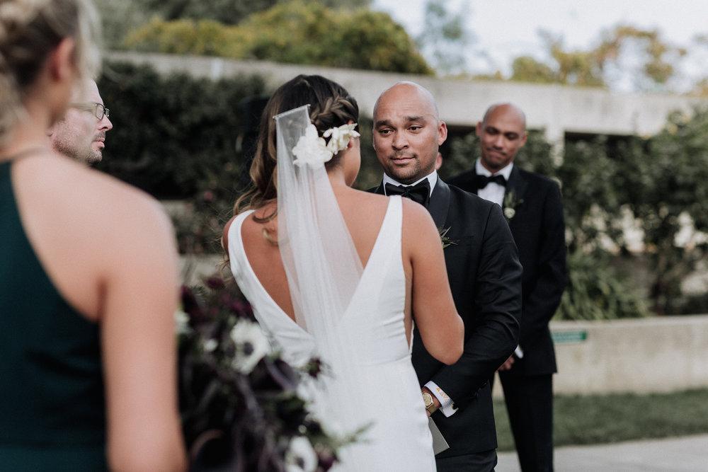 Oakland Museum of California Wedding #fallwedding #modernwedding #minimalswedding #BayAreaWeddingPhotographer #weddingprep #weddingday #weddingceremony #weddingdaydetails