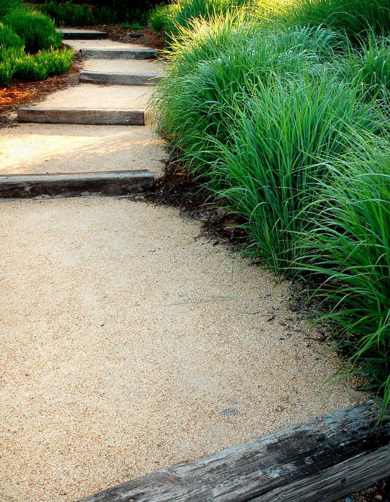 DSC_119 Garden PathS.jpg
