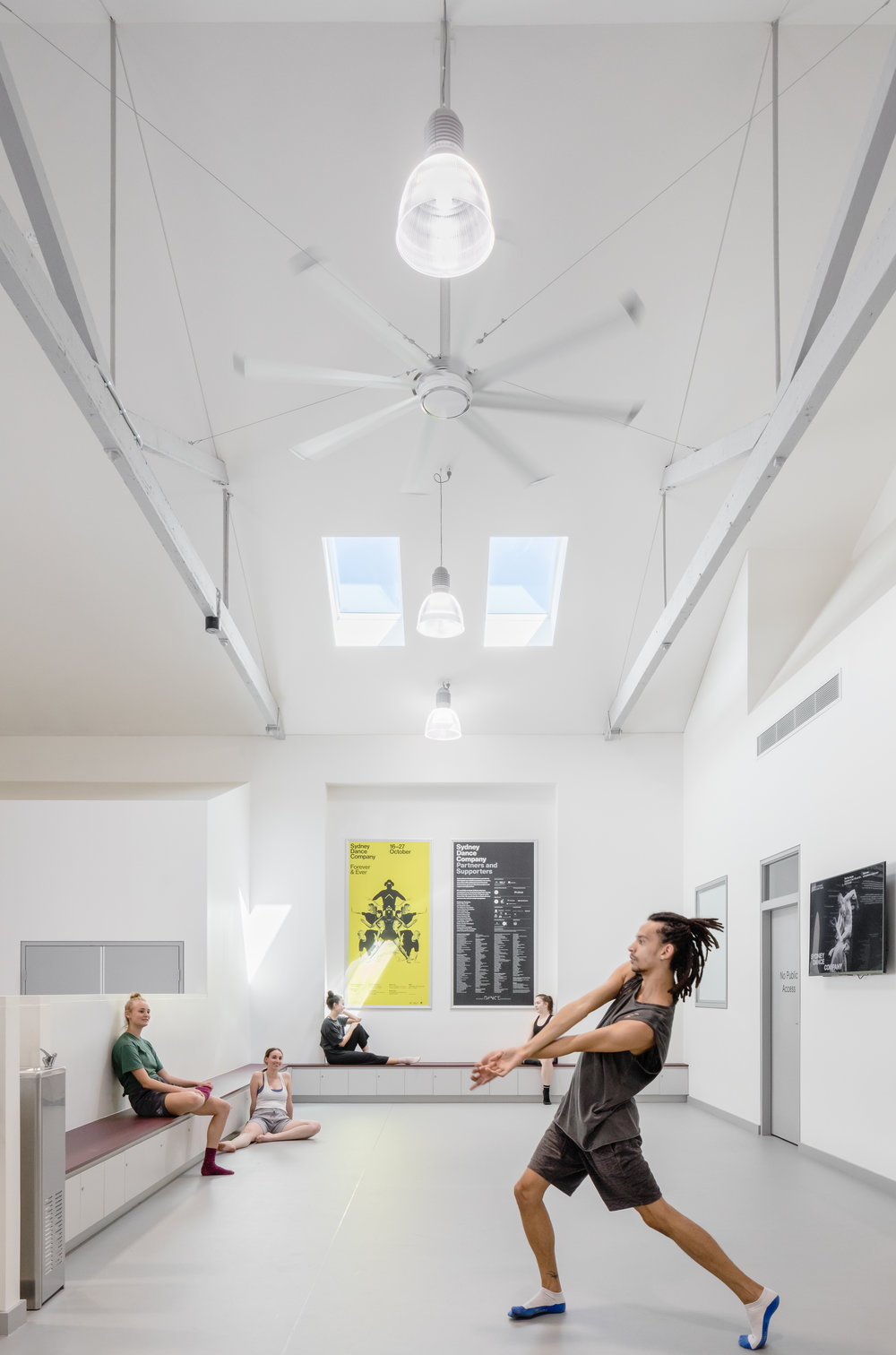 3114-interior_Sydney Dance Company Rehearsal Studios_ Dunn+HIllam Architects_Kat Lu photography_03.jpg