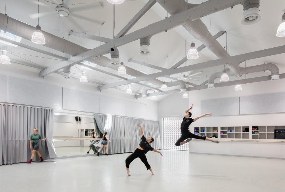 3114-interior_Sydney Dance Company Rehearsal Studios_ Dunn+HIllam Architects_Kat Lu photography_08.jpg