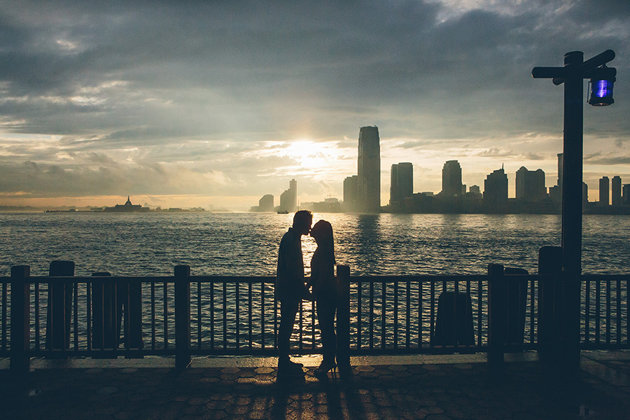 LILY-DAN-BATTERYPARK-ENGAGEMENT-SESSION-CYNTHIACHUNG-0035.jpg