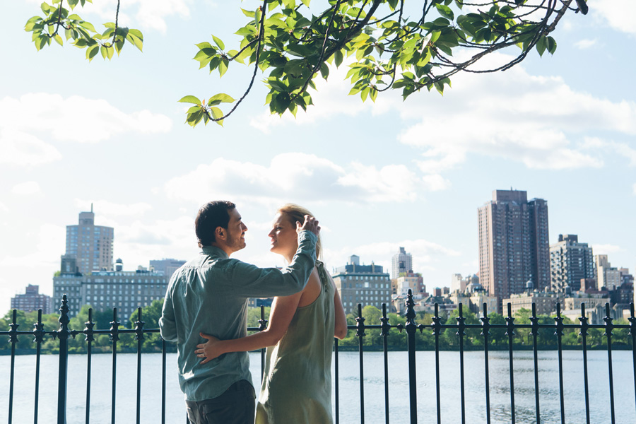 CLAUDIA-BRENDAN-UPPERWESTSIDE-CENTRALPARK-ENGAGEMENT-SESSION-BLOG-CYNTHIACHUNG-0013.jpg