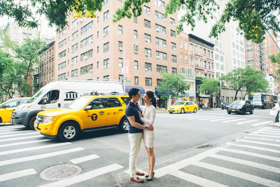 LINDA-DANIEL-ENGAGEMENT-CENTRALPARK-MET-NYC-CYNTHIACHUNG-0026.jpg