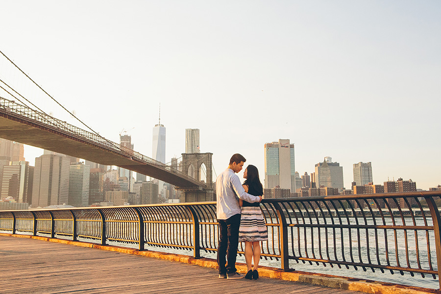 ELIZA-DAVID-NYC-BROOKLYN-BRIDGE-PARK-ENGAGEMENT-SESSION-CYNTHIACHUNG-0028.jpg