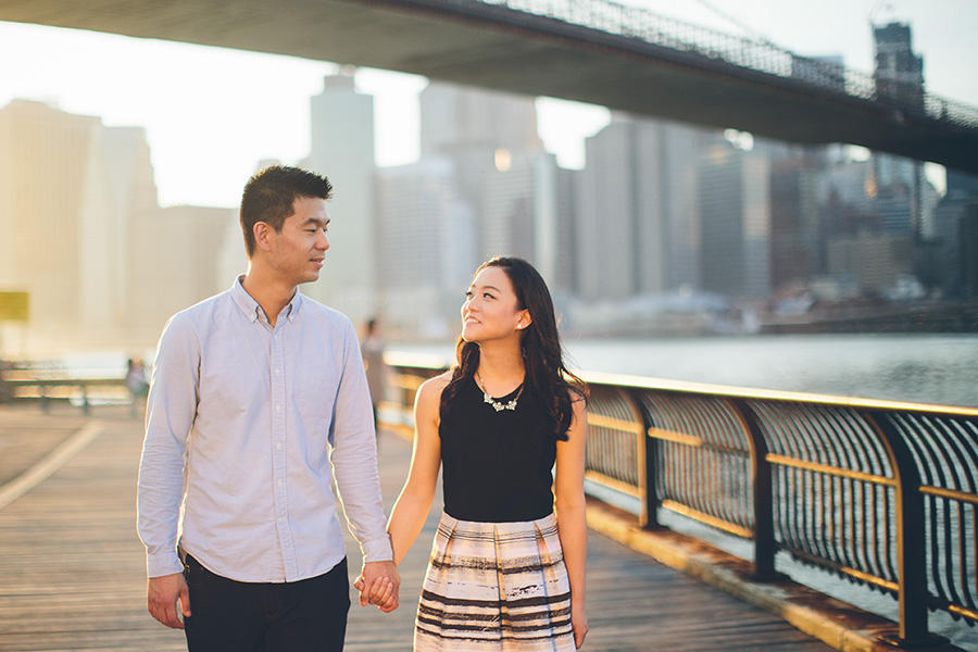 ELIZA-DAVID-NYC-BROOKLYN-BRIDGE-PARK-ENGAGEMENT-SESSION-CYNTHIACHUNG-0033.jpg