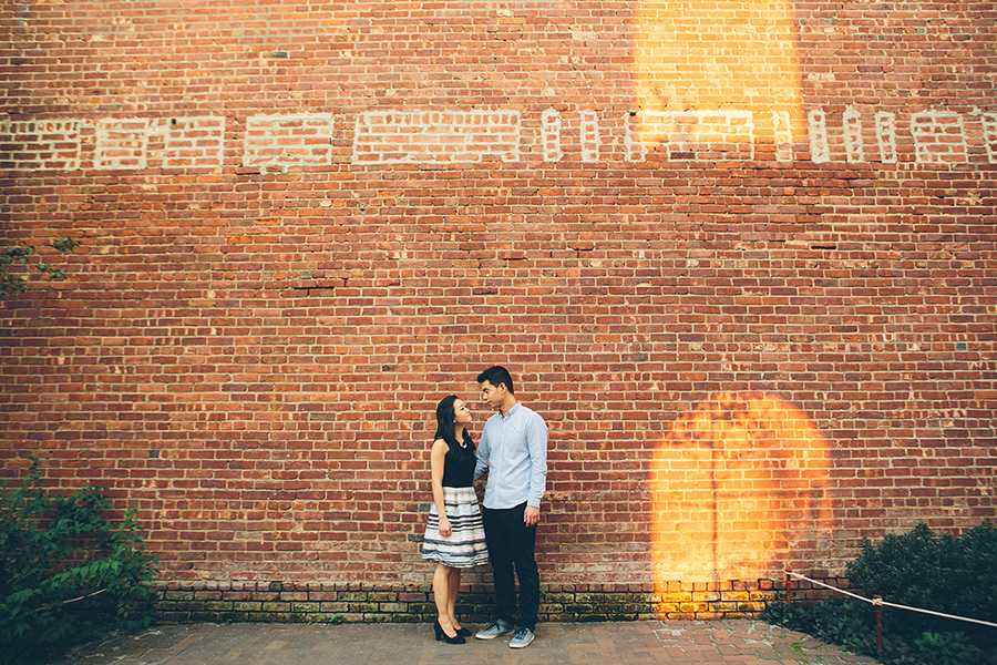 ELIZA-DAVID-NYC-BROOKLYN-BRIDGE-PARK-ENGAGEMENT-SESSION-CYNTHIACHUNG-0039.jpg
