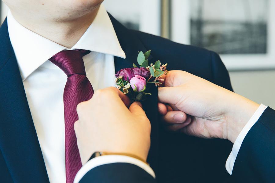 LILY-DANIEL-WEDDING-GROOMPREP-CYNTHIACHUNG-0085.jpg