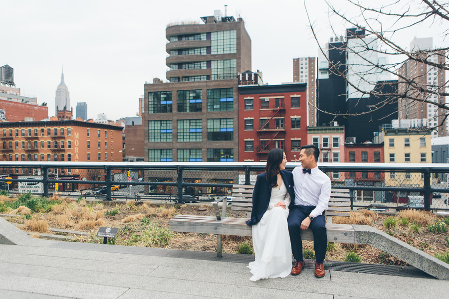 kate-thomas-nyc-highline-chelsea-engagement-photography-session-cynthiachung-0024.jpg