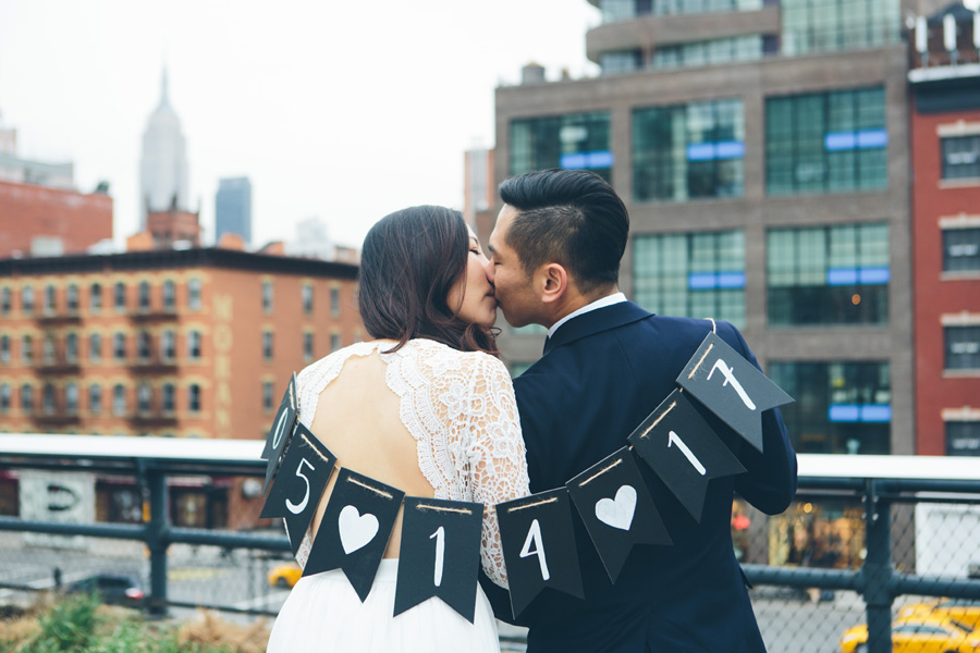 kate-thomas-nyc-highline-chelsea-engagement-photography-session-cynthiachung-0026.jpg