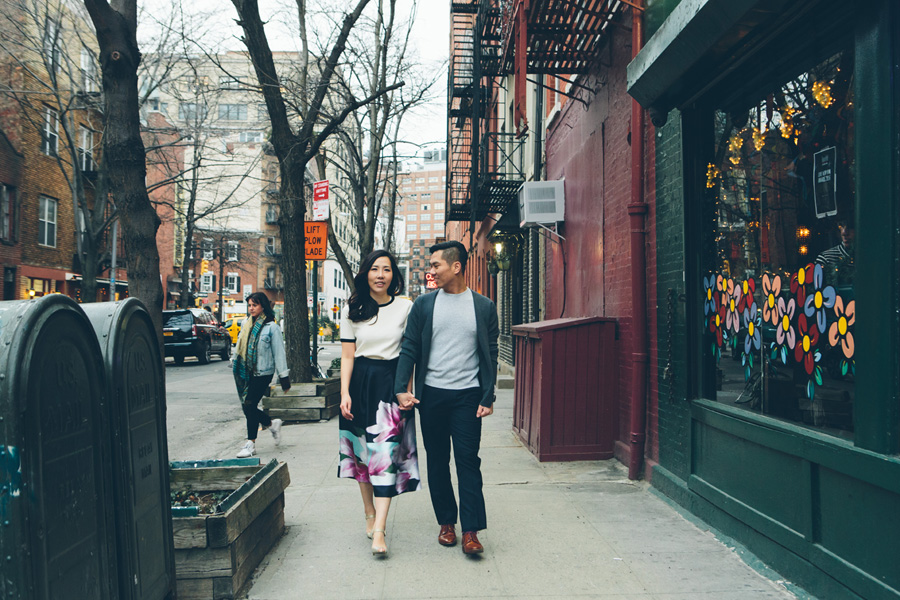 kate-thomas-nyc-highline-chelsea-engagement-photography-session-cynthiachung-0033.jpg