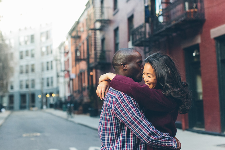 JESSICA-ARC-NYC-WEST-VILLAGE-LES-OCCULUS-WEDDING-ENGAGEMENT-PHOTOGRAPY-SESSION-CYNTHIACHUNG-0010.jpg
