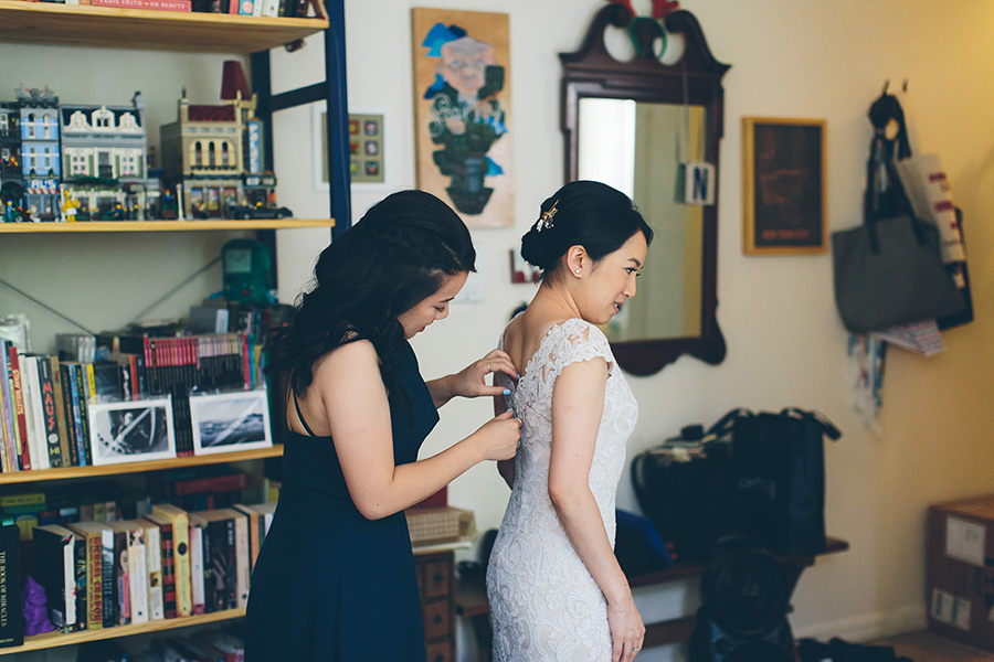NEW-YORK-CITY-WEDDING-PHOTOGRAPHER-VINEGAR-HILL-HOUSE-INTIMATE-DUMBO-WEDDING-ELOPEMENT-MANHATTAN-BROOKLYN-WEDDING-PHOTOGRAPHY-0033.jpg