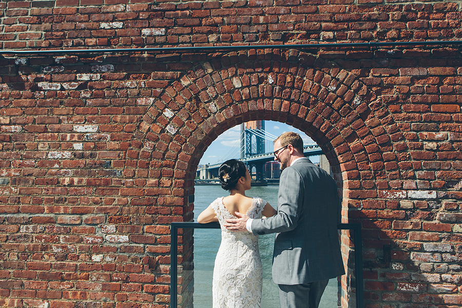 NEW-YORK-CITY-WEDDING-PHOTOGRAPHER-VINEGAR-HILL-HOUSE-INTIMATE-DUMBO-WEDDING-ELOPEMENT-MANHATTAN-BROOKLYN-WEDDING-PHOTOGRAPHY-0006.jpg