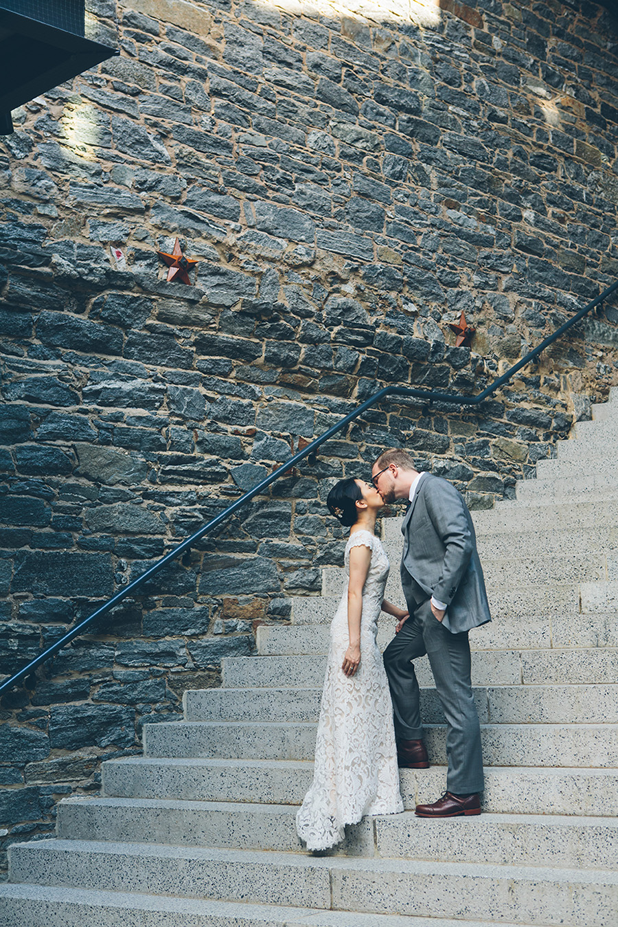 NEW-YORK-CITY-WEDDING-PHOTOGRAPHER-VINEGAR-HILL-HOUSE-INTIMATE-DUMBO-WEDDING-ELOPEMENT-MANHATTAN-BROOKLYN-WEDDING-PHOTOGRAPHY-0005.jpg