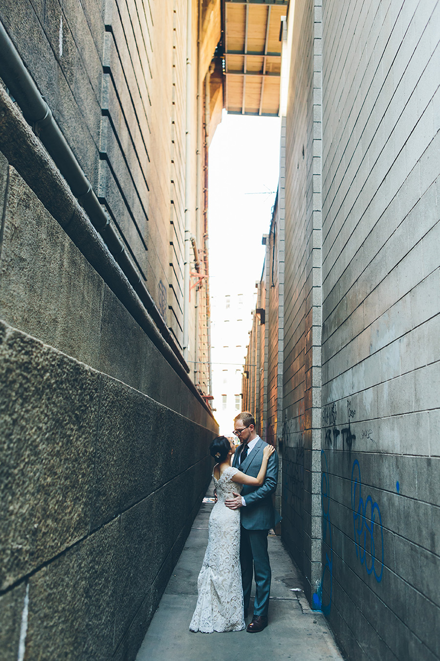 NEW-YORK-CITY-WEDDING-PHOTOGRAPHER-VINEGAR-HILL-HOUSE-INTIMATE-DUMBO-WEDDING-ELOPEMENT-MANHATTAN-BROOKLYN-WEDDING-PHOTOGRAPHY-0015.jpg