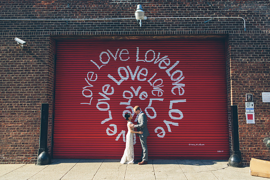 NEW-YORK-CITY-WEDDING-PHOTOGRAPHER-VINEGAR-HILL-HOUSE-INTIMATE-DUMBO-WEDDING-ELOPEMENT-MANHATTAN-BROOKLYN-WEDDING-PHOTOGRAPHY-0021.jpg