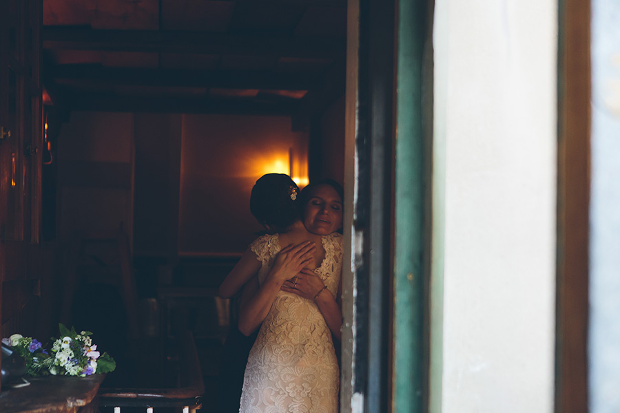 NEW-YORK-CITY-WEDDING-PHOTOGRAPHER-VINEGAR-HILL-HOUSE-INTIMATE-DUMBO-WEDDING-ELOPEMENT-MANHATTAN-BROOKLYN-WEDDING-PHOTOGRAPHY-0060.jpg
