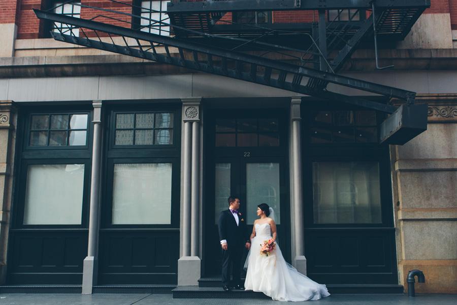 NEW-YORK-CITY-WEDDING-PHOTOGRAPHER-TRIBECA-ROOFTOP-THREE-SIXTY-VENUE-MANHATTAN-BROOKLYN-WEDDING-PHOTOGRAPHY-ANNIEROBERTY-0037.jpg