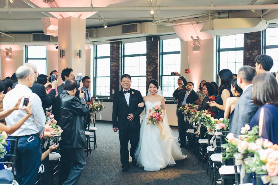NEW-YORK-CITY-WEDDING-PHOTOGRAPHER-TRIBECA-ROOFTOP-THREE-SIXTY-VENUE-MANHATTAN-BROOKLYN-WEDDING-PHOTOGRAPHY-ANNIEROBERTY-0040.jpg