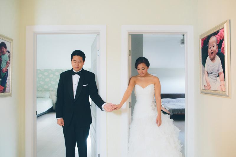 NEW-YORK-CITY-WEDDING-PHOTOGRAPHER-INTIMATE-WEDDING-ELOPEMENT-CITYHALL-MANHATTAN-BROOKLYN-WEDDING-PHOTOGRAPHY-hennyjustin-0016.jpg