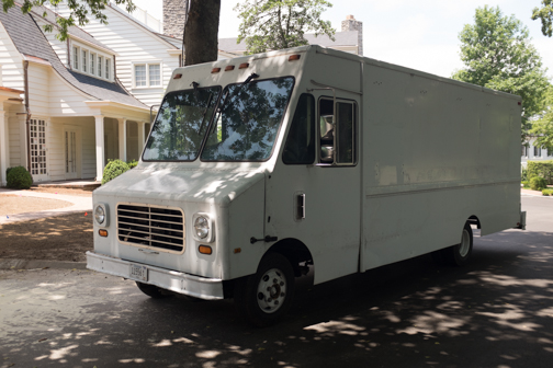 The Bread Truck Makes Its Way Over To Belle Meade Country Club