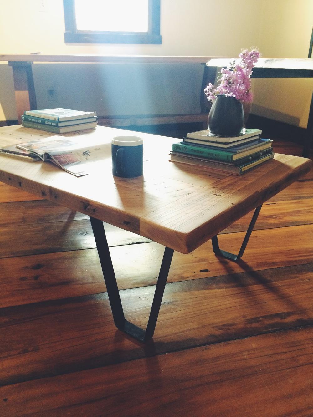 woodstocktablevintagelumberindustrialcoffee