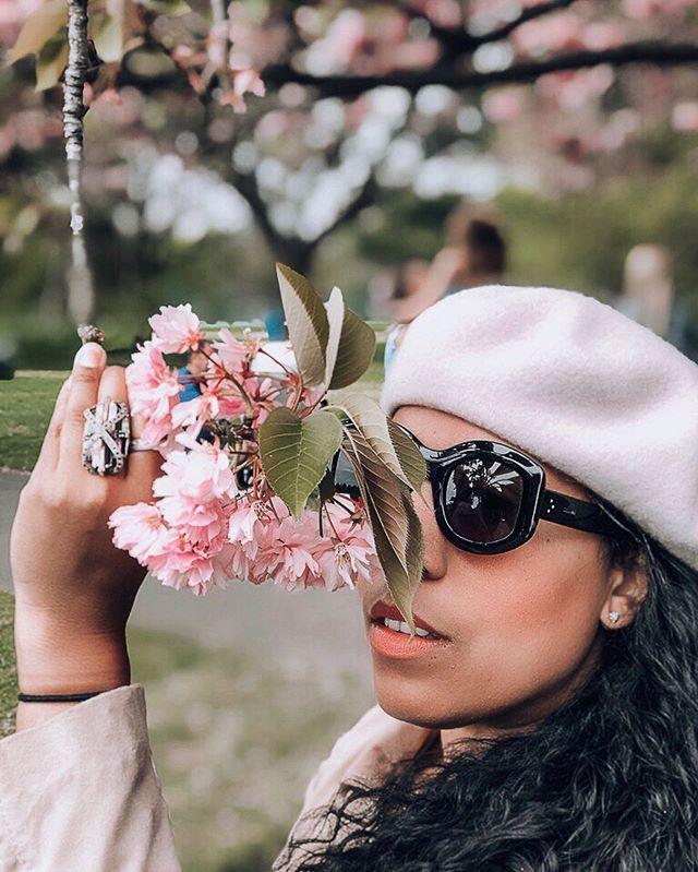 Hope you guys are having an amazing hump day! ⠀ ::⠀ ::⠀ ::⠀ ::⠀ #mytinyatlas #jetsetter #travelblogger #thatsdarling #theglobewanderer #travelgram #toplondonphoto #Traveladdict #welivetoexplore #mauryaroundtheworld #LondonCity #PrettycityLondon #London#thetraveltag #beautifulmatters #dametraveler #darlingescapes #sheisnotlost #sidewalkerdaily #wearetravelgirls #femmetravel #Thediscoverer #beautifuldestinations #ladiesgoneglobal #blondesandcookies #mauryinlondon#lifewelltravelled #travellife #wanderlust