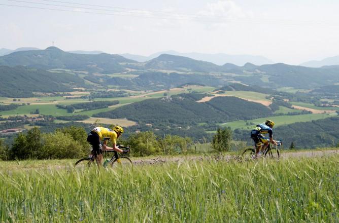 Stage 16 Contador Crash.jpg