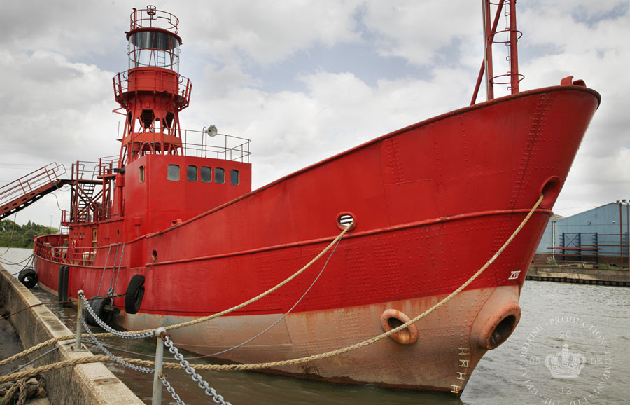F Lightship_1 copy.jpg