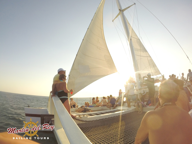tamarindo.sunset.cruise.2.jpg
