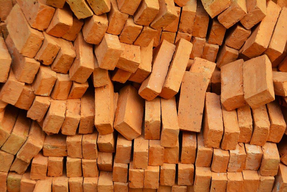 bricks-1345327_1920.jpg